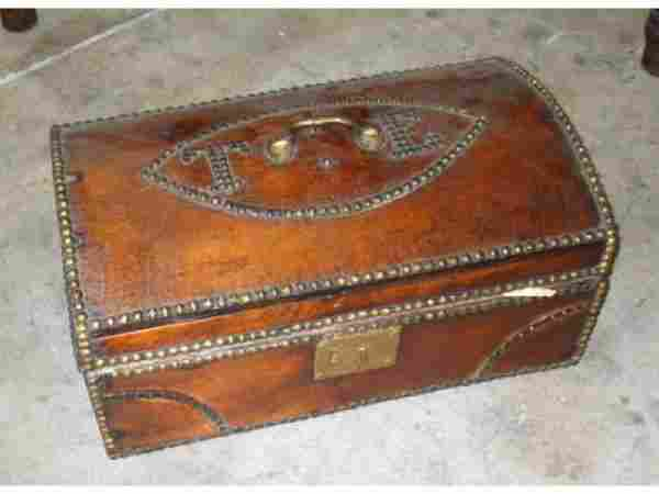 9: Early Mens Valice Chest