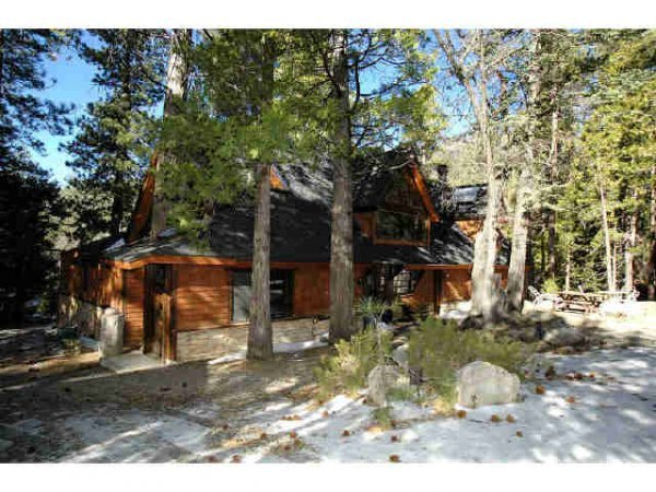7073: Huge Cabin on 29.75 Acres in Idyllwild, CA