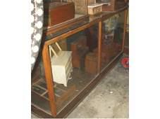 1452: Fine General Store Display Case