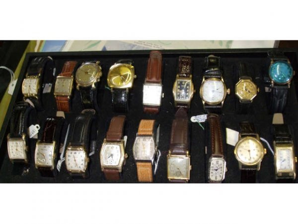 1257: Lot of 18 Vintage Wristwatches
