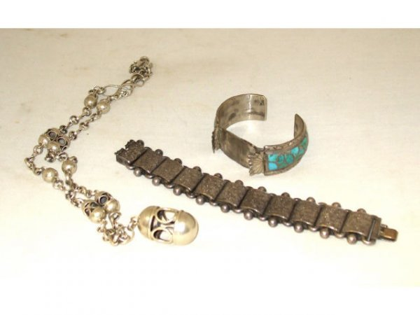 1263: Lot of Indian Pawn Items
