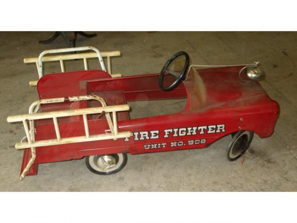 Fire Truck Pedal Car: 497: A Good Vintage Firetruck Pedal Car # 508 : Lot 497