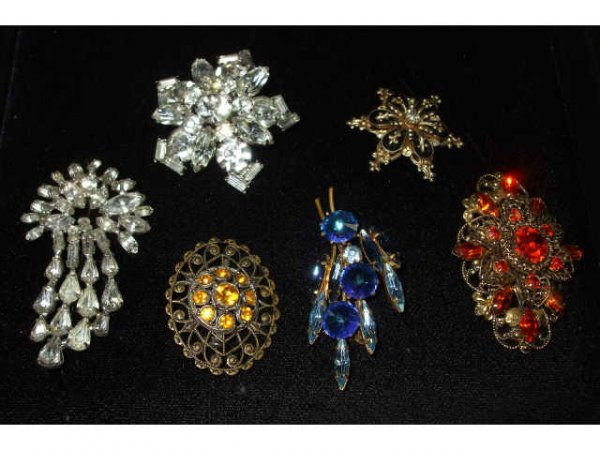 701: Lot of 6 Vintage Costume Jewelry Pins