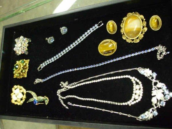 708: Lot of 14 Estate Costume Jewelry Items