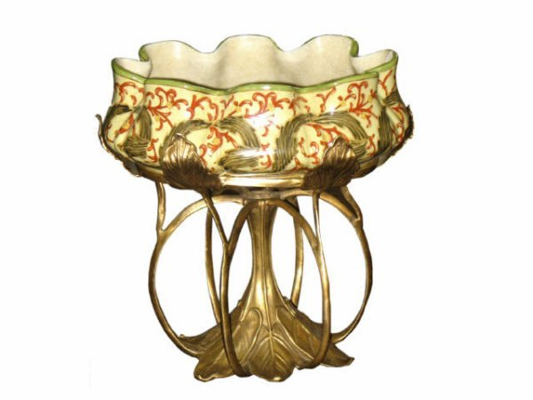 1505: Fine Art Nouvea Bronze Lily Pad Base Compote