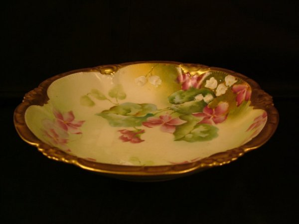 9322: Fine Hand Painted Limoges Berry Bowl