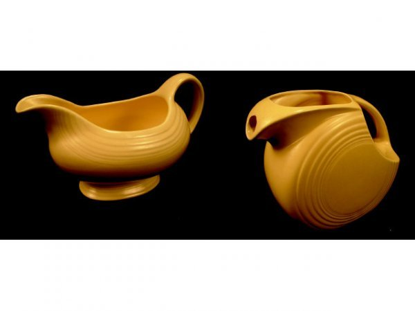 9014: Fiesta Yellow Gravy Boat and Moon Pitcher