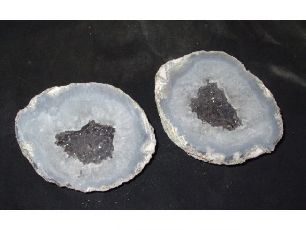 10002: Collectible LAPIDARY GEODE DOUBLE