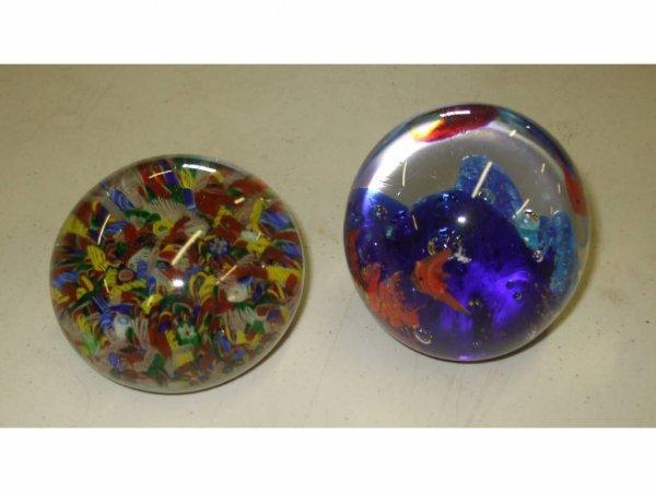 961: Vintage Art Glass Italian Paperweight