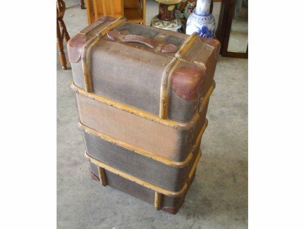 971: Vintage Trunk Lot