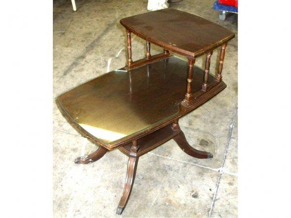 982: 1930s Mahogany 2 Tier Table