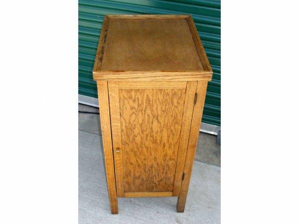 502: American Oak Edison Amberola Storage Cabinet