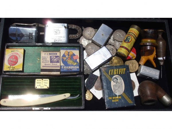 702A: Lot of Vintage Collectibles