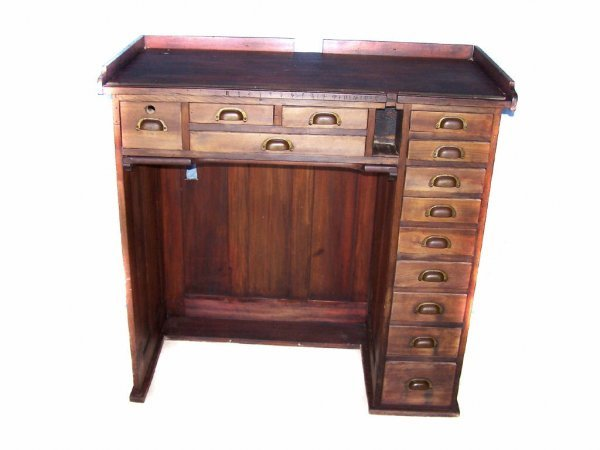 21: Fine Mahogany Watch Makers Cabinet