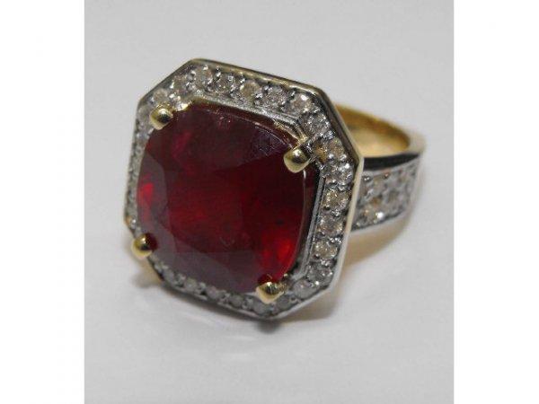 8022: Stunning RUBY & DIAMOND Ring Ap. $ 130,450
