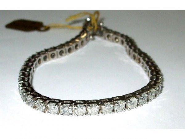 8057: Fine 7.86 ct. Diamond Bracelet