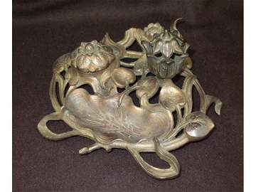 8206: French Art Nouveau Brass Inkwell