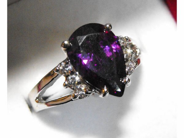 723: 14k Stamped Costume Amethyst Colored Ring