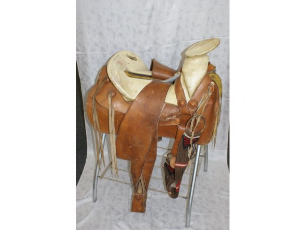 1513: Mexican Leather Saddle Bronc