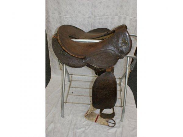 1520: Australian Tooled Leather Saddle