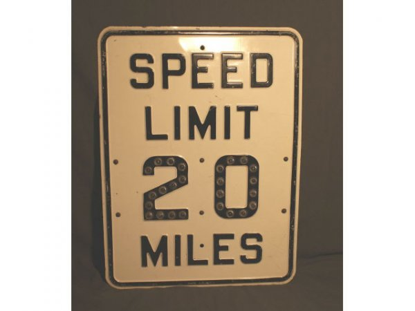1526: Reflective 20 MPH Vintage Road Sign