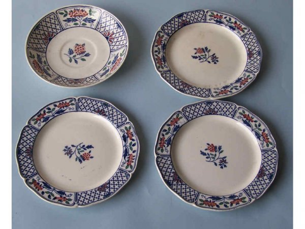 11: Lot of 4 Wedgewood Plates