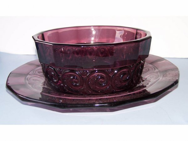 21: French Purple Art Glass Console & Liner