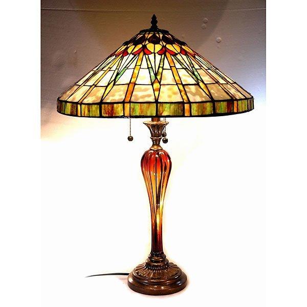 1012: Arts & Craft Tiffany Glass Lamp
