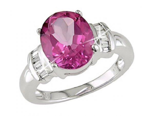 3046: 14k Gold Pink Topaz and 1/10ct TDW Diamond Ring