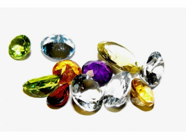2012: Fine Large 10.45 ct. Mixed Gemstone Parcel