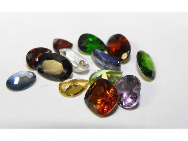 2017: Mixed Gemstone Parcel Lot 8.10 cts.