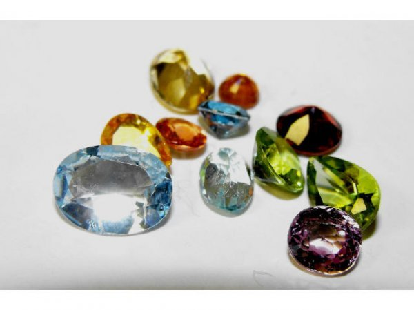 2021: Mixed Gemstone Lot of 5.70 cts