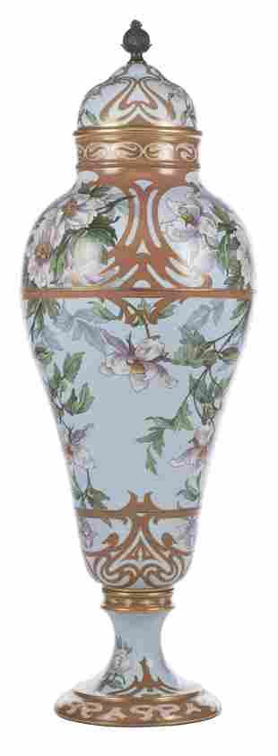 Grand vase en porcelaine de Limoges France par W.G. &