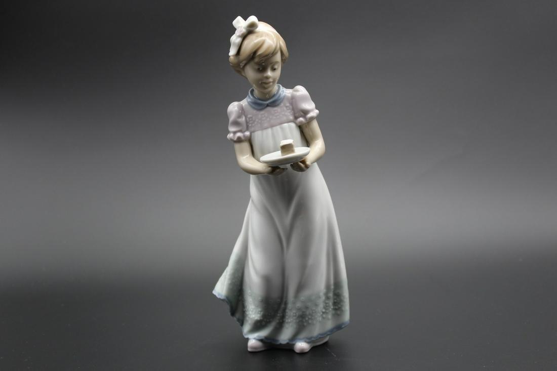 """""""Lladro"""" porcelain statue"""