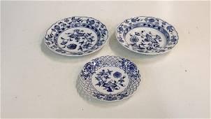 12 Pieces Meissen, 4 Blue Danube