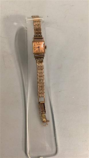 Vintage Ladies Tourneau Wrist Watch