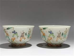 A PAIR OF WUCAI PORCELAIN CUPS, KANGXI MARK