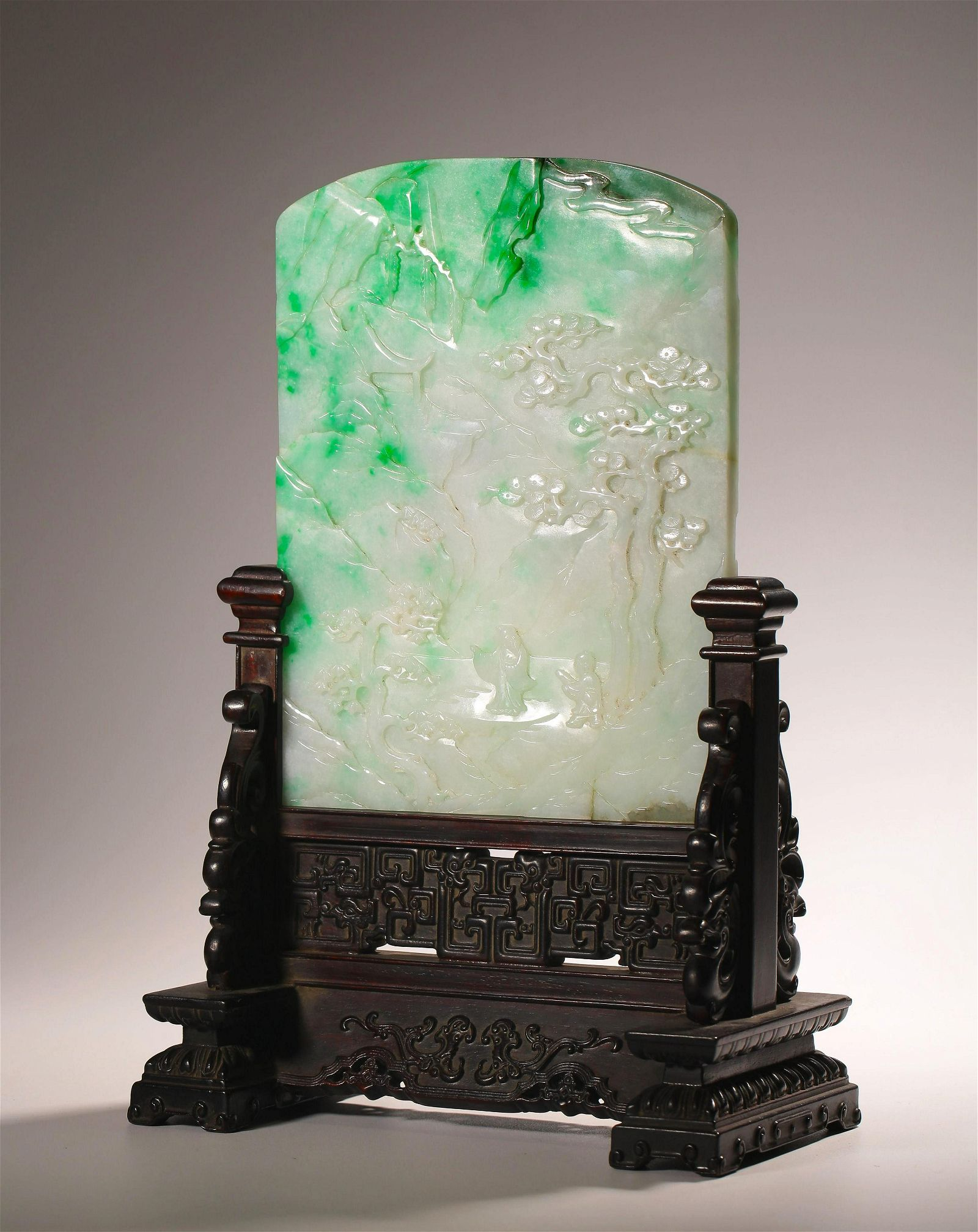 FINE QING DYN. CARVED JADEITE TABLE SCREEN