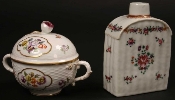16: A Pretty 19th Century Teacaddy hand painted with sp