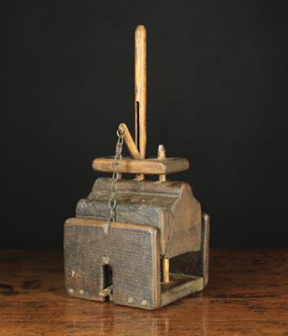 An Early 19th Century Rustic Mouse Trap, 16 in (41 cm)