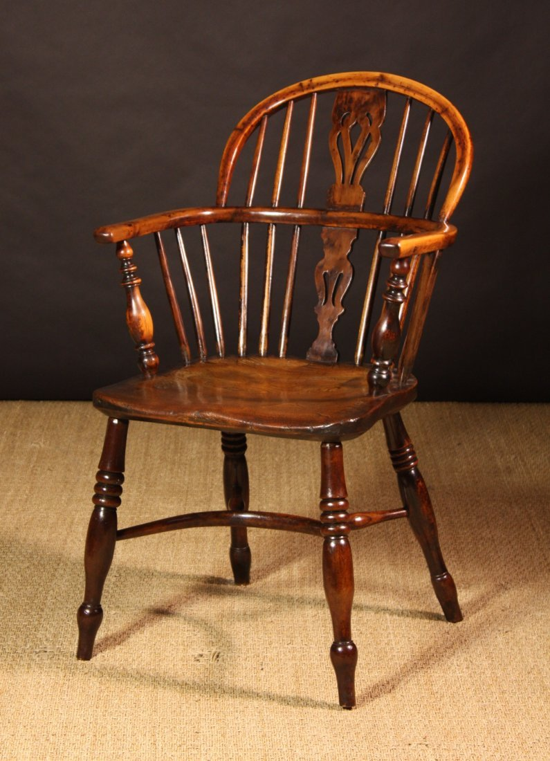 97: A Fine 19th Century Low Back Yew Wood Windsor Chair