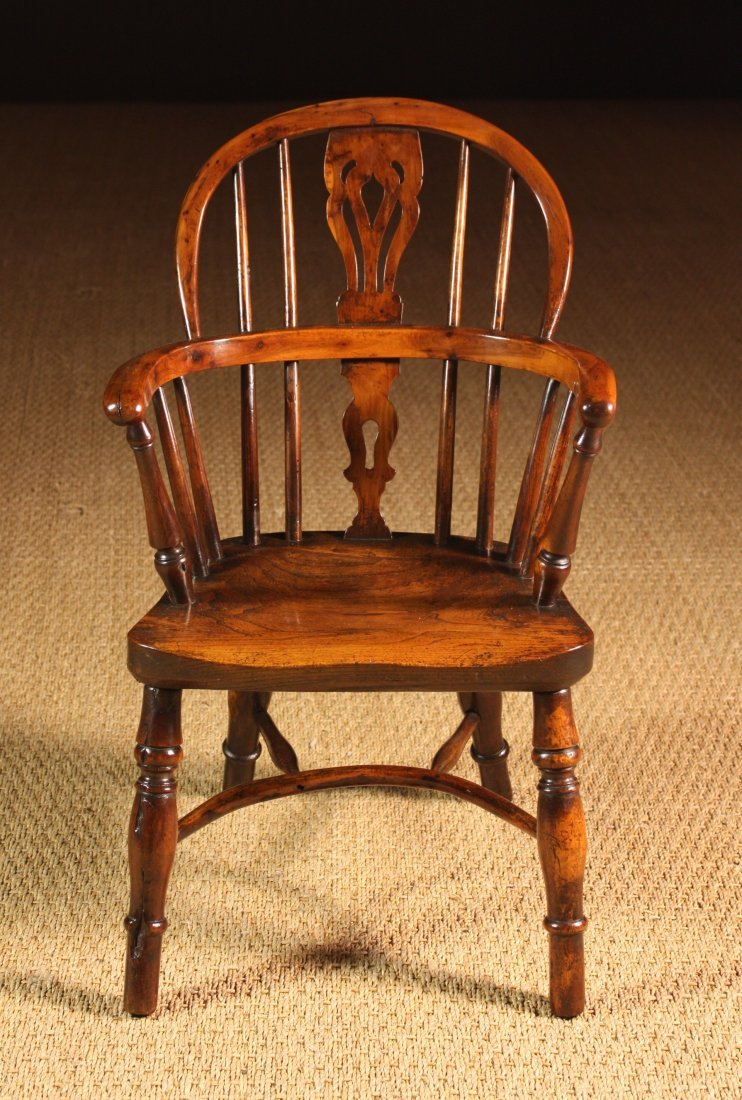 98: An Early 19th Century Yew Wood Child's Windsor Chai
