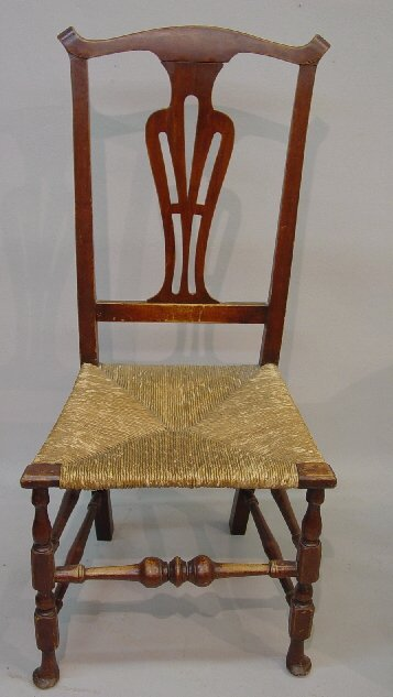 7: COUNTRY QUEEN ANNE SIDE CHAIR. Maple and o
