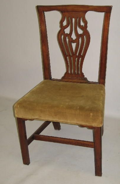 1006: TWO ENGLISH SIDE CHAIRS. Hepplewhite. Mahogany wi