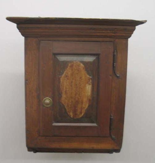 1022: HANGING CUPBOARD. Attributed to Lancaster, Pennsy