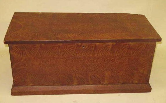 1432: DECORATED BOX. Dovetailed pine box with old red a