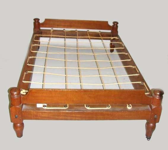 565: TRUNDLE ROPE BED.