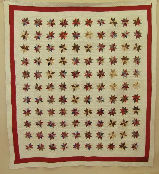 571: PIECED QUILT.  One hundred and ten small eigh