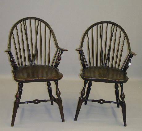 4: PAIR OF CONTINUOUS ARM BRACE BACK WINDSOR CHAIRS. At