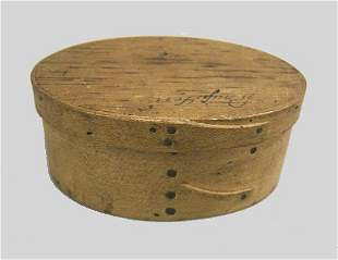 SMALL SHAKER OVAL BENTWOOD BOX. Old natural finish